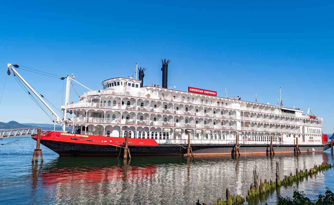 The American Empress, a 360-foot diesel-powered paddle-wheeler riverboat