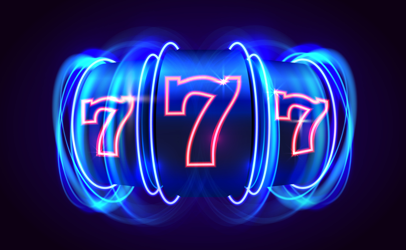 Vector image with 3 lucky number sevens on a slot reel