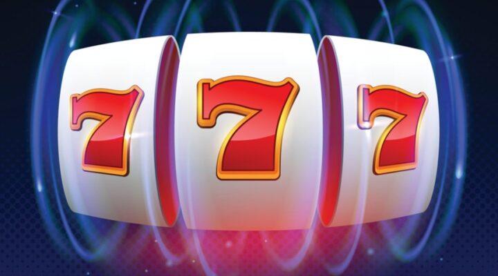 Three sevens on a spinning slot reel.