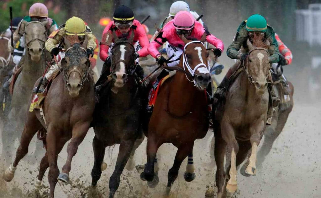 Horse racing in rain and mud at the 2019 Kentucky Derby