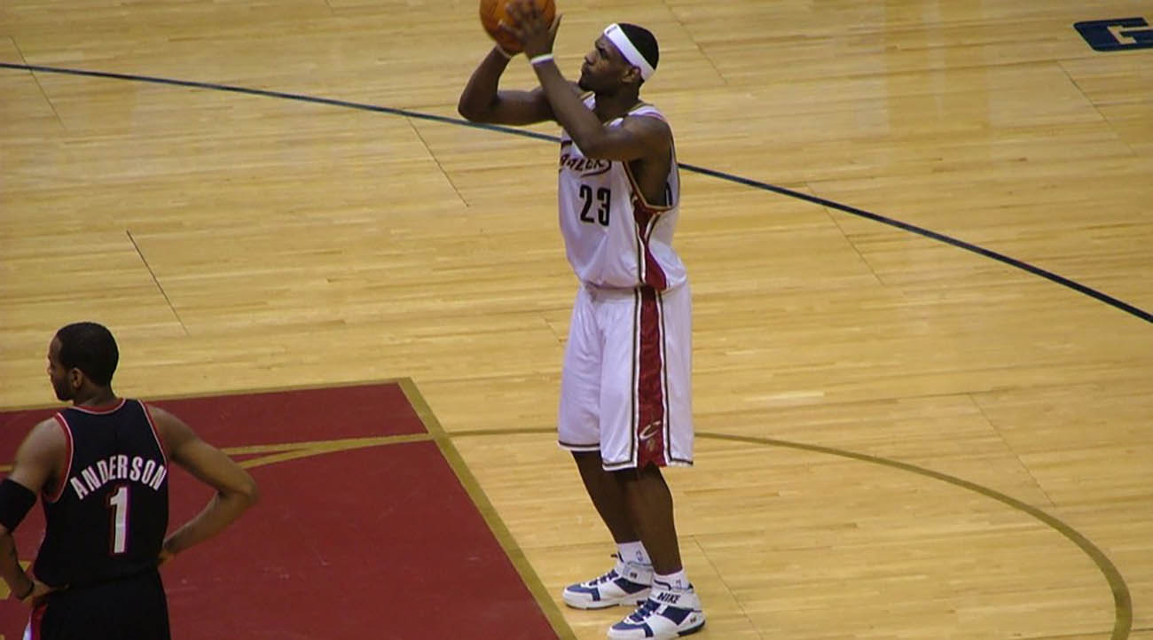 LeBron James ready to throw the ball