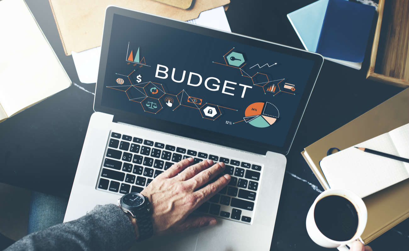 concept of setting a budget online