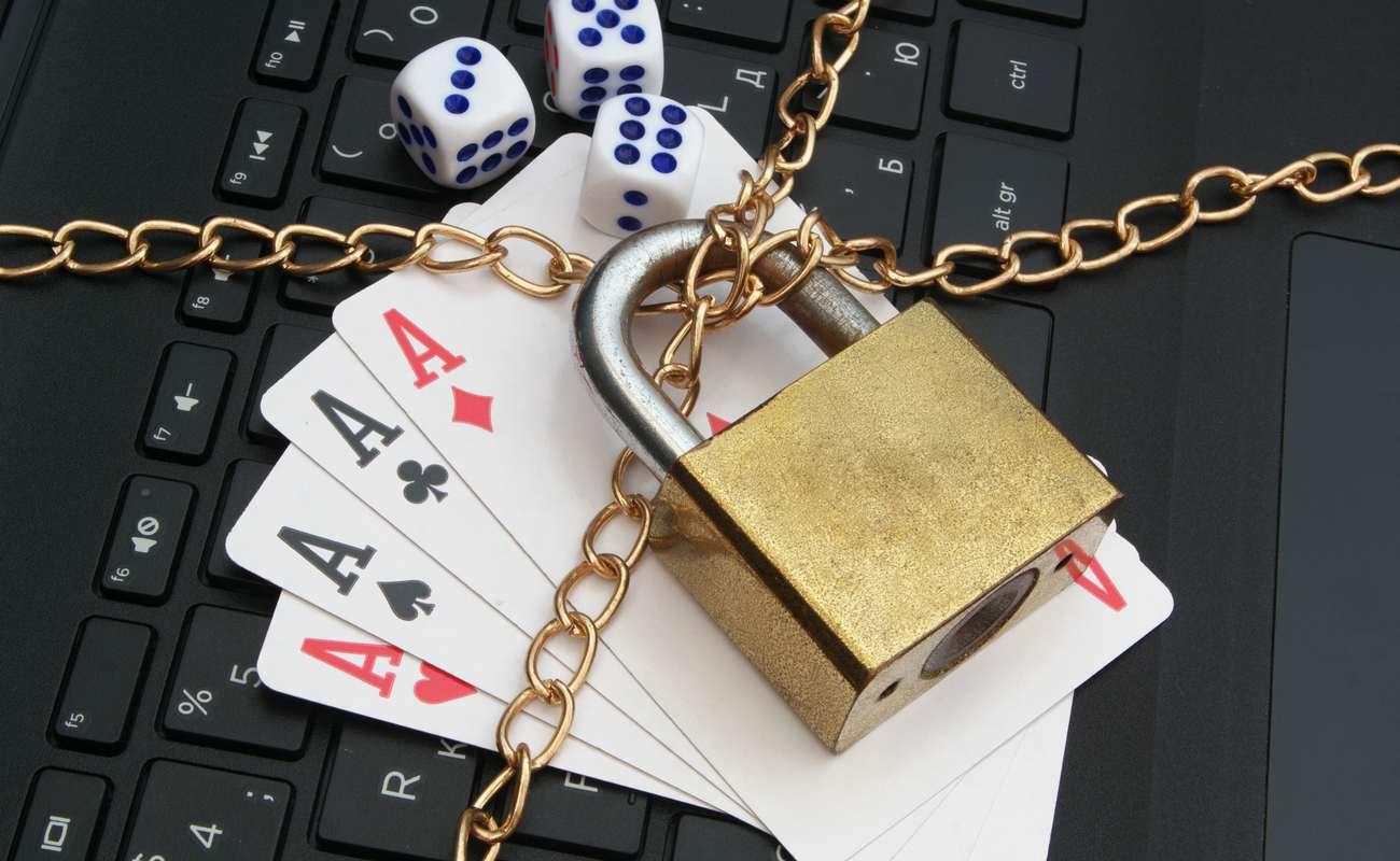 Stop online gambling concept