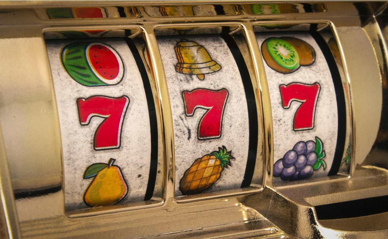 Vintage slot machine, close up of 777 number