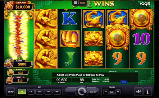 Screenshot of Jade Wins online slot game by AGS.