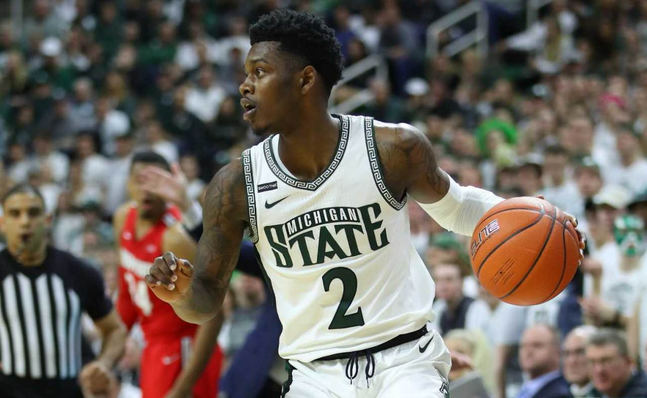 Rocket Watts #2 of the Michigan State Spartans plays against the Ohio State Buckeyes