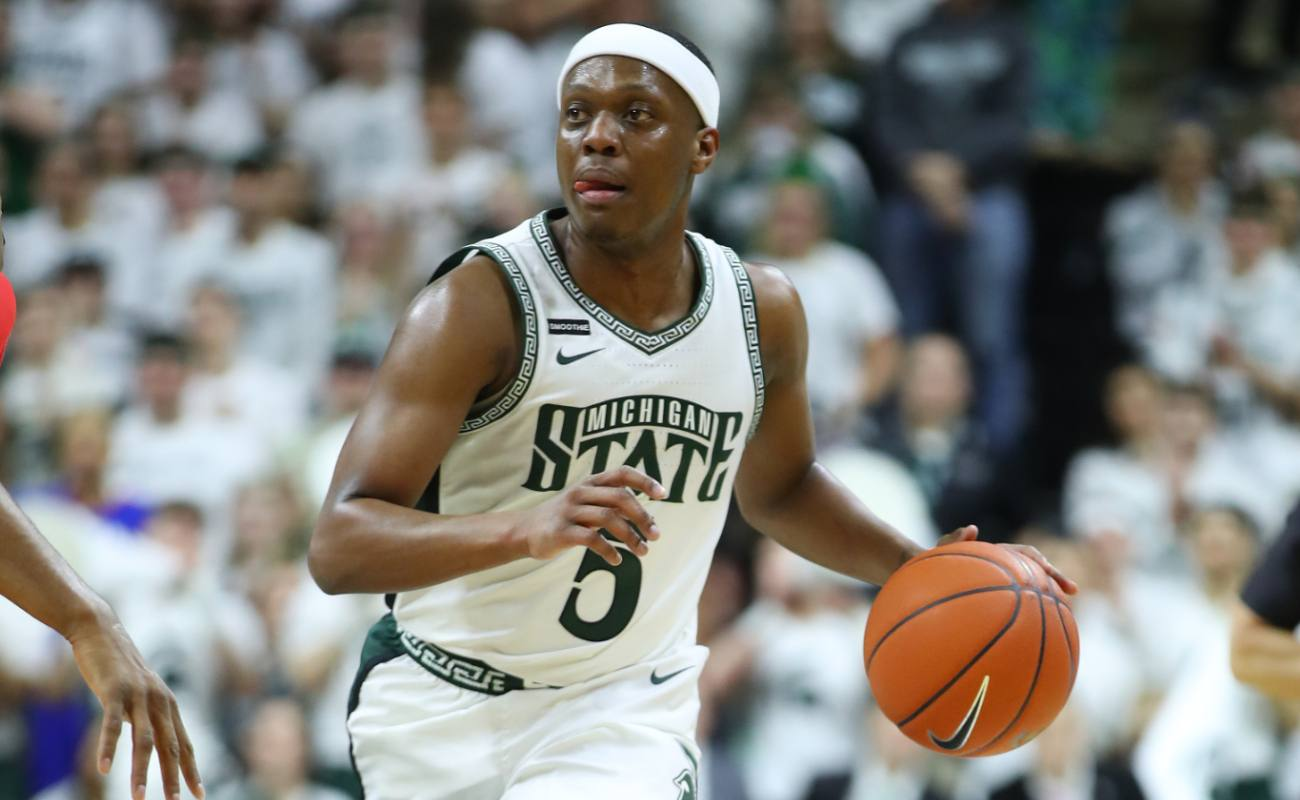 Cassius Winston #5 of the Michigan State Spartans plays against the Ohio State Buckeyes at the Breslin Center