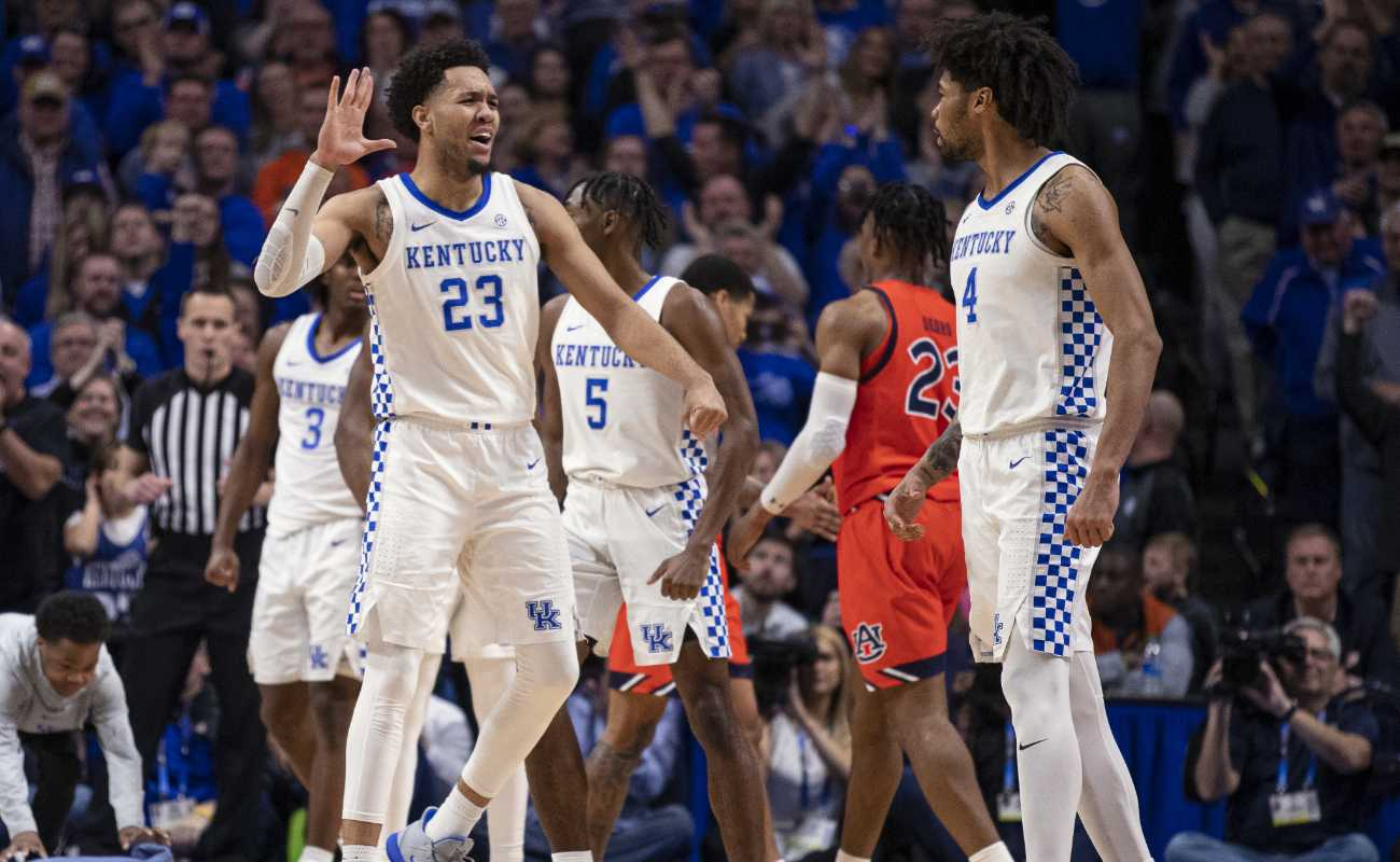 EJ Montgomery #23 and Nick Richards #4 of the Kentucky Wildcats celebrate during the game against the Auburn Tigers