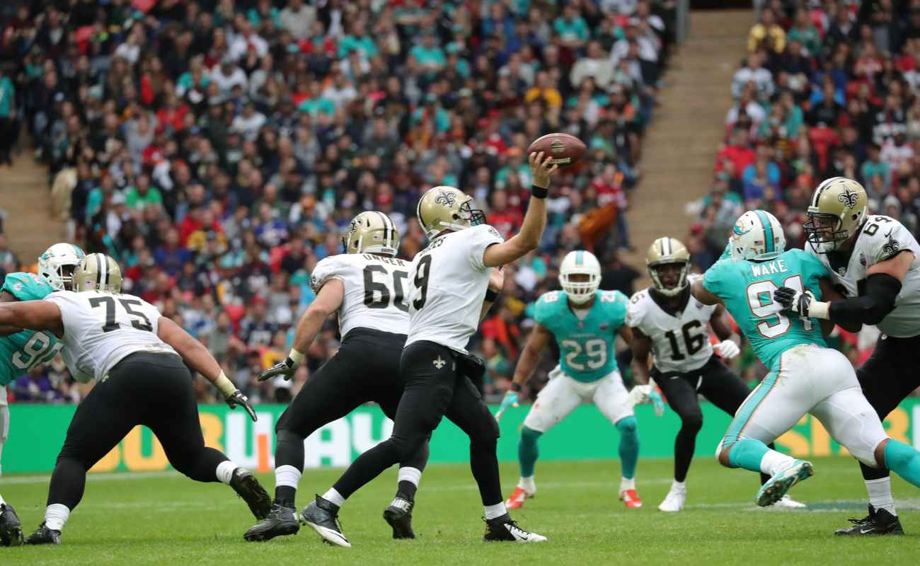 A NFL game between New Orleans Saints and Miami Dolphins