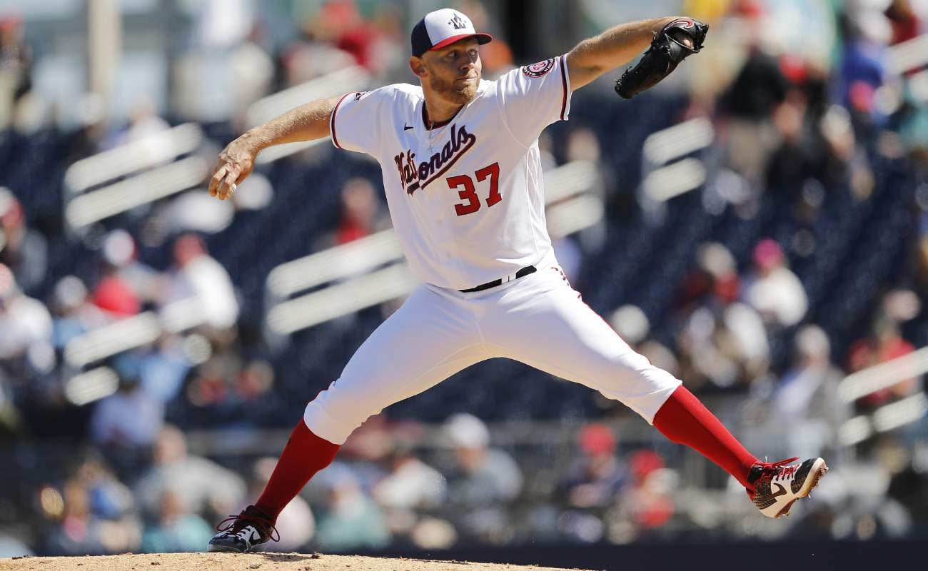 Stephen Strasburg #37 of the Washington Nationals delivers a pitch against the Tampa Bay Rays