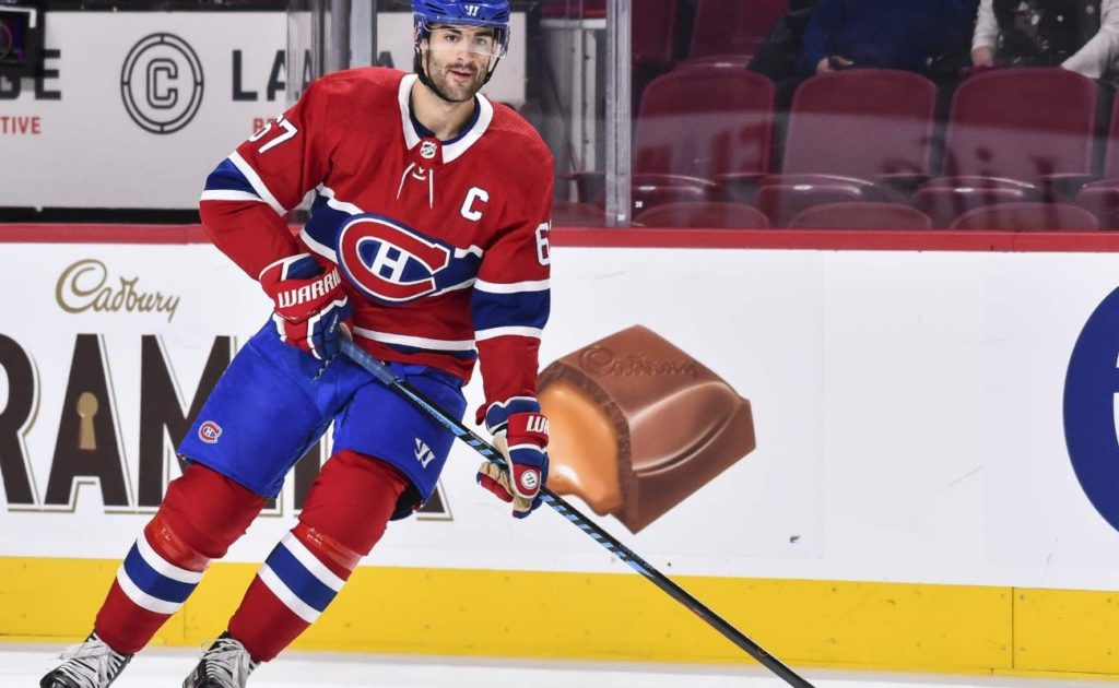Max Pacioretty #67 of the Montreal Canadiens skates the puck during NHL game against the Vancouver Canuck