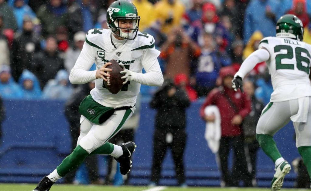 Sam Darnold of New York Jets during NFL game against Buffalo Bills at New Era Field