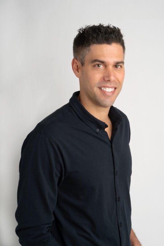 Headshot of BetMGM's new COO Ryan Scoop