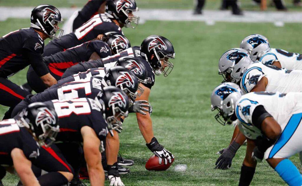 Atlanta Falcons offenses lines against Carolina Panthers defense at Mercedes-Benz Stadium October 2020