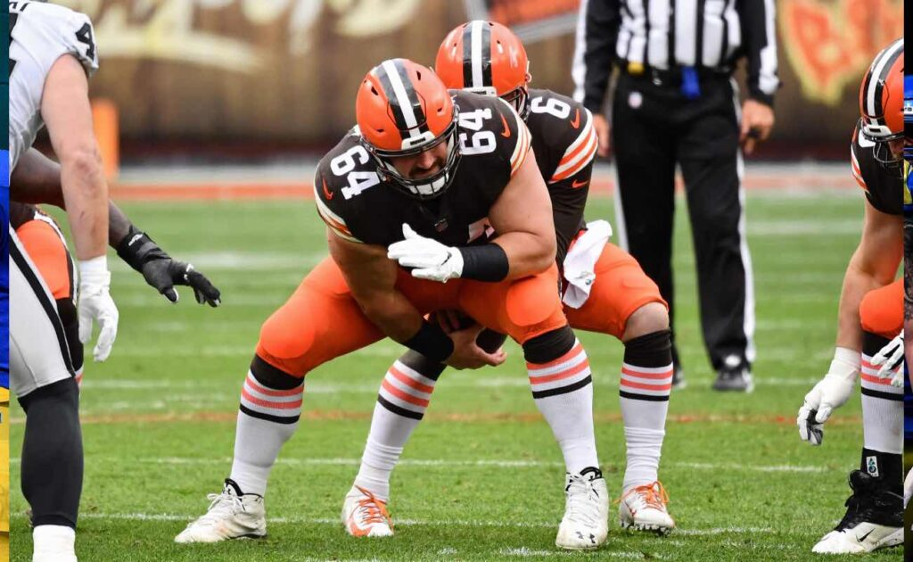 J.C. Tretter of Cleveland Browns against the Las Vegas Raiders at FirstEnergy Stadium November 2020.