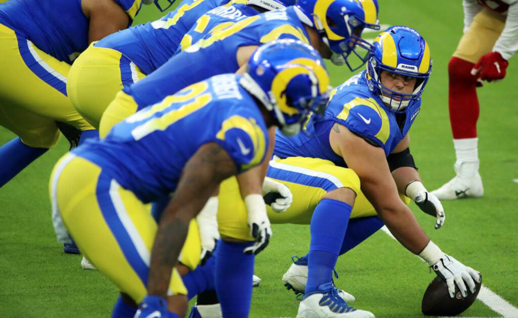 Los Angeles Rams' Austin Blythe gets ready to snap the ball. Photo by Katelyn Mulcahy/Getty Images
