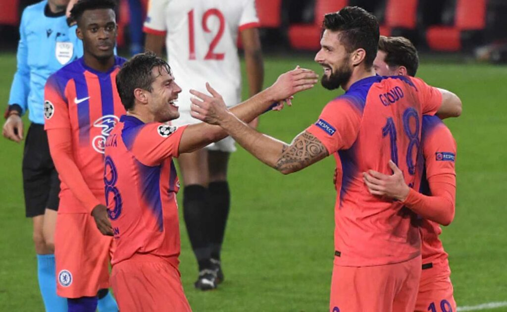 Chelsea Teammates Celebrate With Olivier Giroud After He Scored His Fourth Goal of The Evening - Photo by JUAN JOSE UBEDA