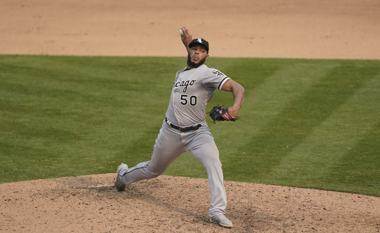 Jimmy Cordero of the Chicago White Sox throws a pitch. Photo by Thearon W. Henderson/Getty Images