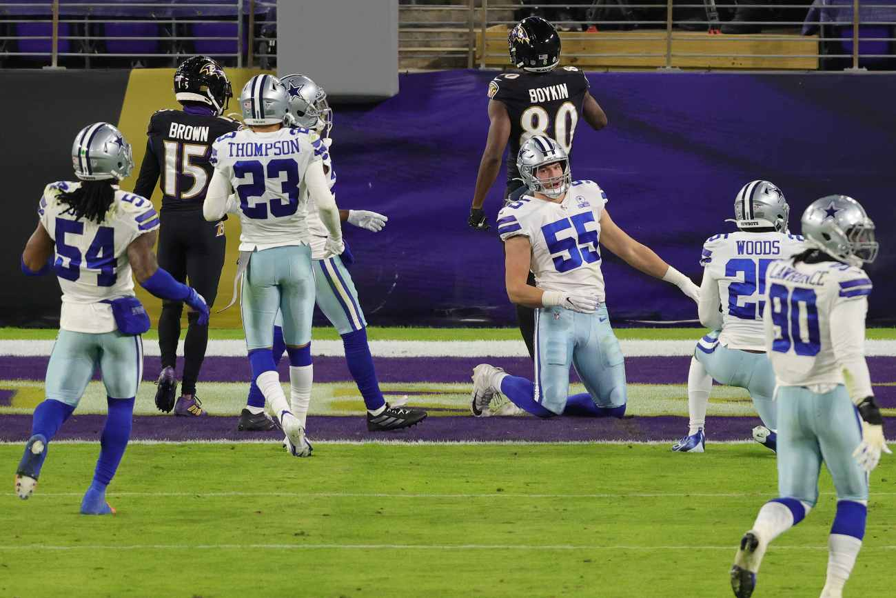 BALTIMORE, MARYLAND - DECEMBER 08: Wide receiver Miles Boykin #80 of the Baltimore Ravens scores a touchdown against the Dallas Cowboys during the second quarter at M&T Bank Stadium on December 8, 2020 in Baltimore, Maryland. (Photo by Rob Carr/Getty Images)