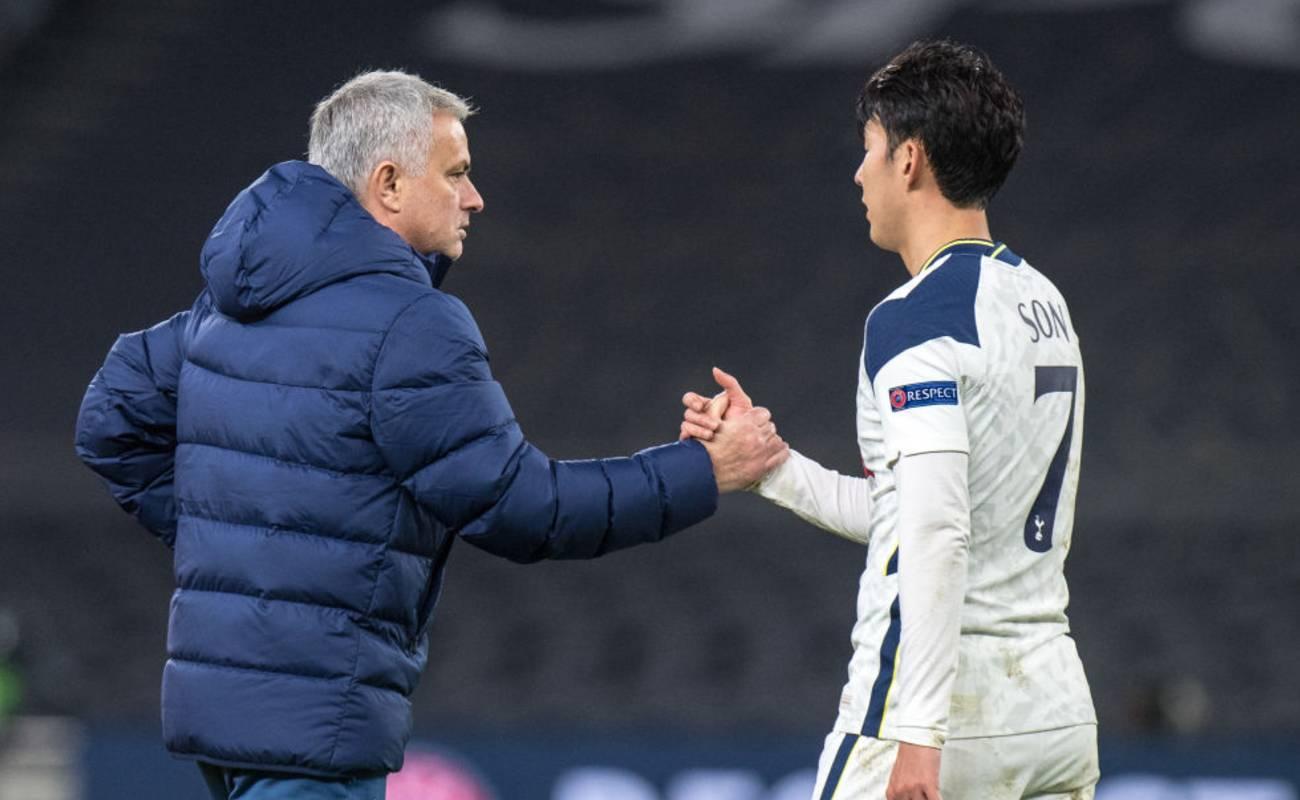 Son Heung-min shakes hands with Tottenham Coach Jose Mourinho - Photo by - Sebastian Frej/Getty Images