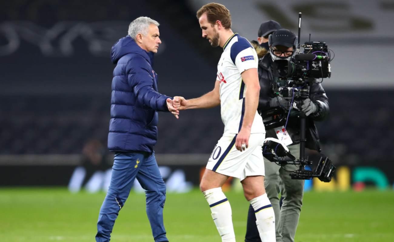 A Downtrodden José Mourinho Subs Harry Kane Off the Field - Photo By Julian Finney