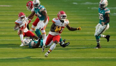 MIAMI GARDENS, FLORIDA – DECEMBER 13: Tyreek Hill #10 of the Kansas City Chiefs in action against the Miami Dolphins at Hard Rock Stadium on December 13, 2020 in Miami Gardens, Florida. (Photo by Mark Brown/Getty Images)