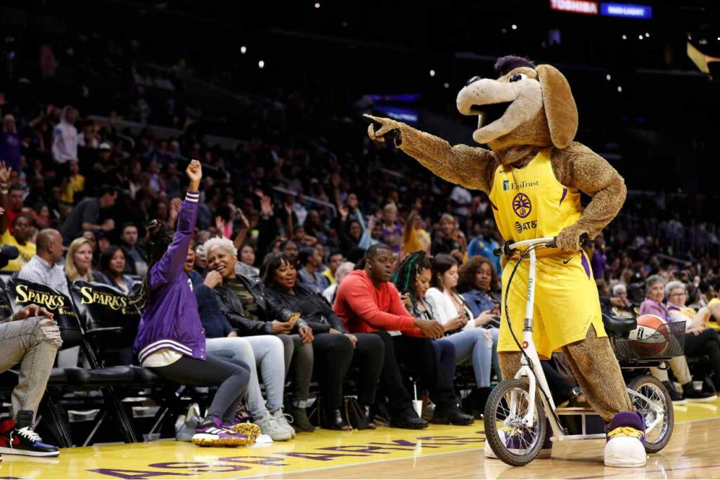 LOS ANGELES, CALIFORNIA - MAY 31: Los Angeles Sparks mascot Sparky interacts with the crowd at Staples Center on May 31, 2019 in Los Angeles, California. NOTE TO USER: User expressly acknowledges and agrees that, by downloading and or using this photograph, User is consenting to the terms and conditions of the Getty Images License Agreement. (Photo by Meg Oliphant/Getty Images)