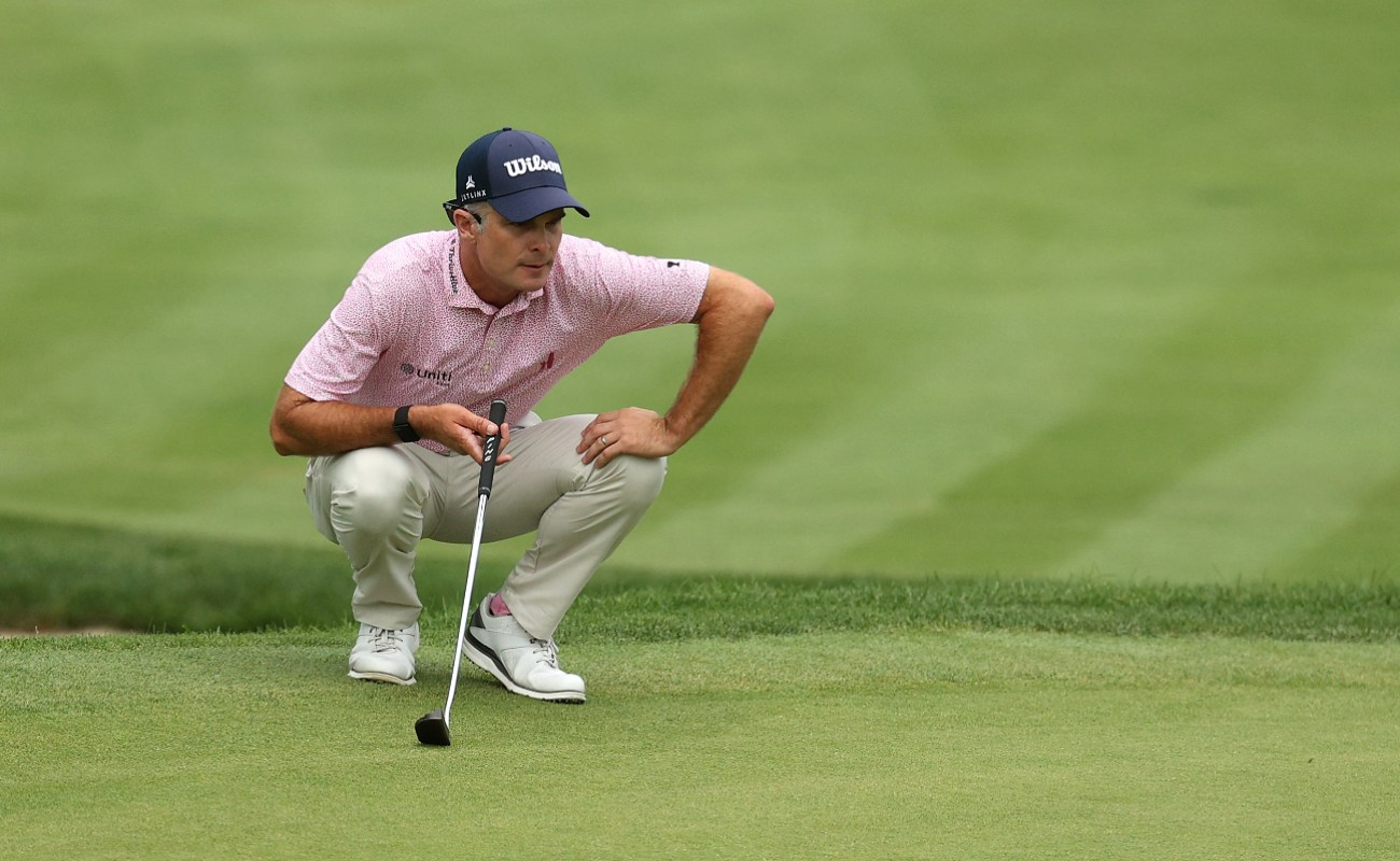 Kevin Streelman of the United States lines up a putt on the 17th green during the final round of the Travelers Championship at TPC River Highlands on June 28, 2020 in Cromwell, Connecticut. (Photo by Maddie Meyer/Getty Images)