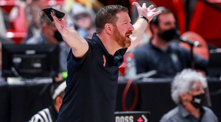 Head coach Chris Beard of the Texas Tech Red Raiders gestures during the second half of the college basketball game against the Oklahoma Sooners at United Supermarkets Arena on February 01, 2021 in Lubbock, Texas. (Photo by John E. Moore III/Getty Images)