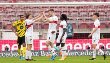 Sasa Kalajdzic of Austria celebrates with his teammates - Photo by Christian Kaspar-Bartke/Getty Images
