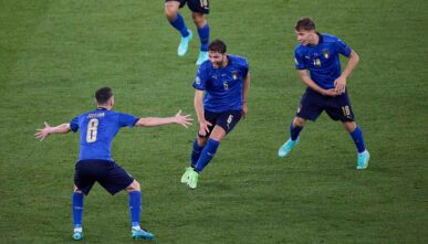 ROME, ITALY - JUNE 16: Manuel Locatelli of Italy celebrates after scoring his team's second goal with his teammates during the UEFA Euro 2020 Championship Group A match between Italy and Switzerland at Olimpico Stadium on June 16, 2021 in Rome, Italy. (Photo by Emmanuele Ciancaglini/Quality Sport Images/Getty Images)