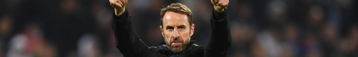Alt: Gareth Southgate gives a thumbs up - Photo by Michael Regan/Getty Images